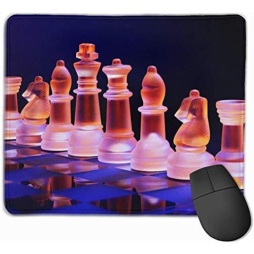Gaming Mouse Pad, Mouse Mat Glass Chess en un Tablero de ajedrez Iluminado por una Colorida luz Azul Naranja colocada en…
