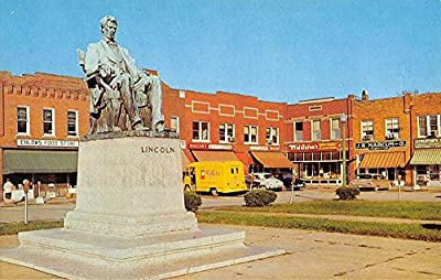 Hodgensville Kentucky Lincoln Statue Street View Vintage Postcard K52669