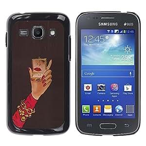 TopCaseStore / la caja del caucho duro de la cubierta de protección de la piel - Michael Mirror Woman Red Nails Hand - Samsung Galaxy Ace 3 GT-S7270 GT-S7275 GT-S7272