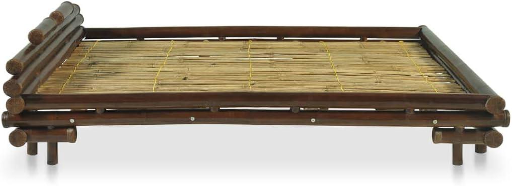 Asiatisches Bambusbett mit echtem Rattan