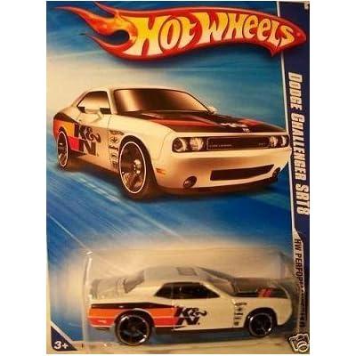 Hot Wheels 2010 Dodge Challenger SRT8, 1:64 Scale.: Toys & Games
