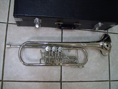 Rotary trumpet with case and mouthpiece, Silver