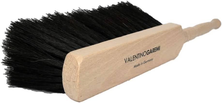 Valentino Garemi Work Areas Cleaning Brush – Long Natural Horse Hair – Garage Bench, Woodworking Atelier, Plant Potting Space, Garden Shed, Storage Area, Animal Shelter – Made in Germany