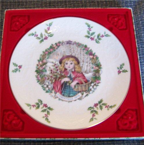 Royal Doulton 1978 Christmas Plate Red Riding Hood
