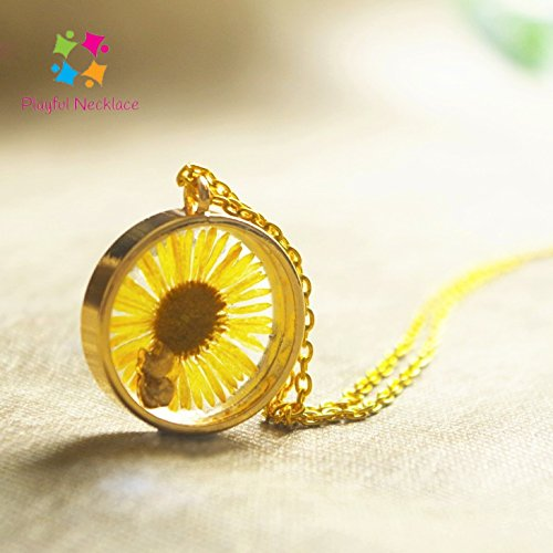 Sunflower Round Pendant Gold Chain Necklace. Dry Flower Jewelry. Pressed Flower. Dried Leaves. Dried Flower. Cat. Kitten. Yellow