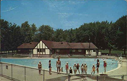 Read Park - Swimming Pool and Bathhouse Freeport, Illinois Original Vintage Postcard - Freeport Bath