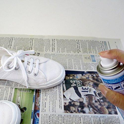 白スニーカーと防水スプレーの画像