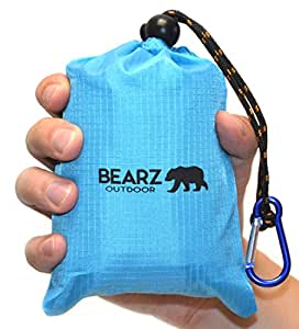 BEARZ Outdoor Beach Blanket / Compact Pocket Blanket 55″x60″, Waterproof Ground Cover, Sand Proof Picnic Mat for Travel, Hiking, Camping, Festivals - Durable Tarp w/ Corner Pockets, Loops & Bag (Blue)