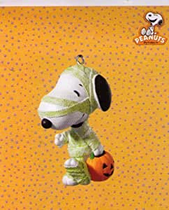 Hallmark Halloween QFO4643 Treats for Snoopy