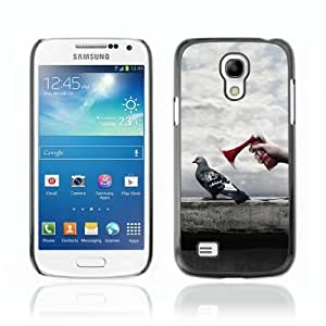 Designer Depo Hard Protection Case for Samsung Galaxy S4 Mini / Pigeon
