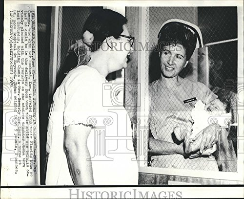 (Vintage Photos 1970 Press Photo Iva Conner & her Husband Came from FLA. to Calif. to Have Baby. - 8 x 10 in. - Historic Images)