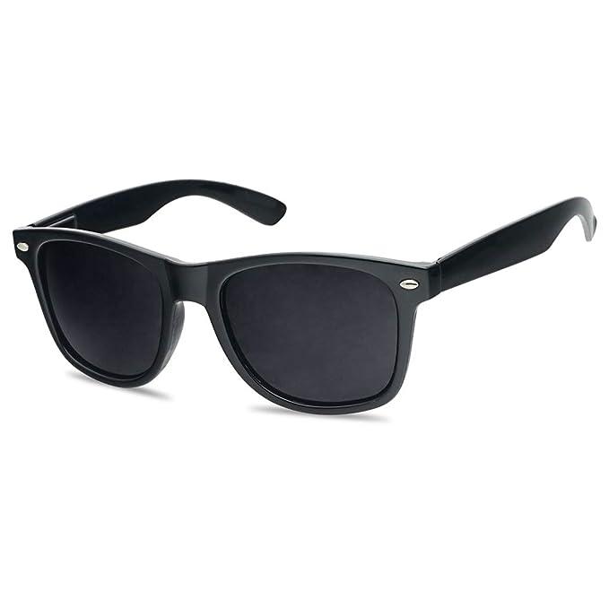 c5d69200bf Amazon.com  SunglassUP Super Dark Blacked Out Lens Retro 80s Aviators  Sunglasses - Unisex (Black Aviators)  Clothing