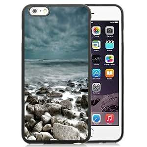 Fashionable Custom Designed Ipod Touch 4 Phone Case With Rough Sea Rocks Waves Lockscreen_Black Phone Case