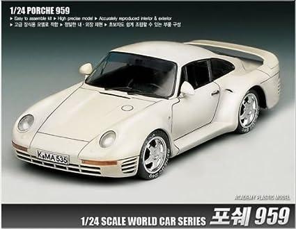 Amazon.com: Academy 1/24 mundialmente famoso coche serie ...