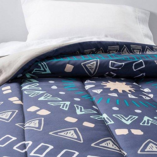 Room Essentials Twin XL Dark Blue Medallion Reversible Comforter