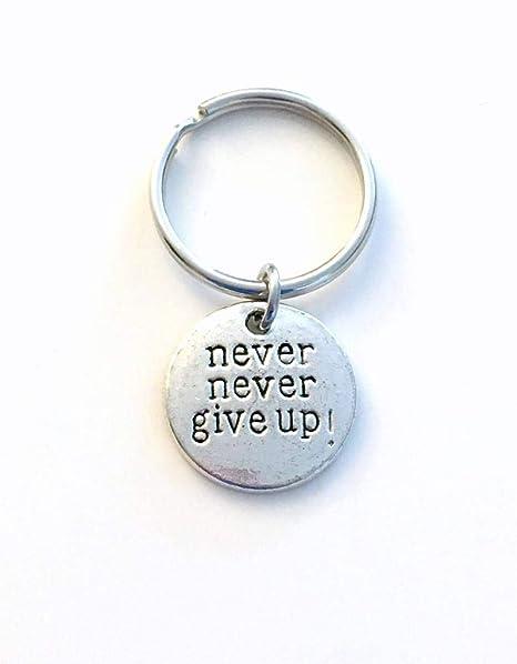 Silver Knight - Llavero con Mensaje Never Never Give Up ...