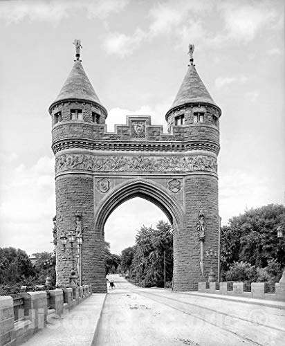 Connecticut Historic Black & White Photo, The Soldiers and Sailors Memorial Arch, Hartford, c1904 | 44in x ()