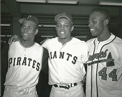 King Of Puzzles an 11 x 14 Inch 252 Pc Puzzle Baseball Legends Roberto Clemente Willie Mays and Hank Aaron