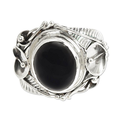 NOVICA Onyx .925 Sterling Silver Floral Cocktail Ring 'Nest of Lilies' ()
