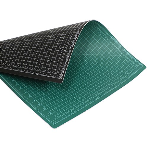Art Alternatives Cutting Mat Green/Black 24X36 by Art Alternatives