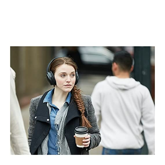 Bose QuietComfort 35 Wireless Headphones 7 World-class noise cancellation Bluetooth and NFC pairing Balanced sound at any volume Up to 20-hour battery life per wireless charge Noise-rejecting dual microphone for clear calls Lightweight and comfortable for all-day listening Bose Connect app control QuietComfort 35 wireless headphones are engineered with world-class noise cancellation that makes quiet sound quieter and music sound better Free yourself from wires and connect easily to your devices with Bluetooth and NFC pairing