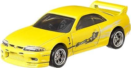 amazon com hot wheels nissan skyline gtr r33 vehicle toys games hot wheels nissan skyline gtr r33 vehicle