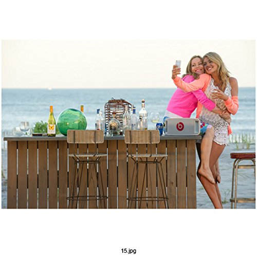 The Other Woman (2014) (8 inch by 10 inch) PHOTOGRAPH Leslie Mann Full Body & Kate Upton Posing for Pic Outdoors kn