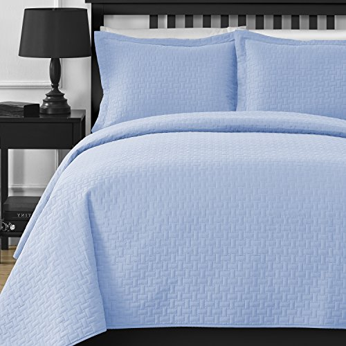 Extra Lightweight and Oversized Comfy Bedding Frame Embossing 3-piece Bedspread Coverlet Set (Full/Queen, Blue)