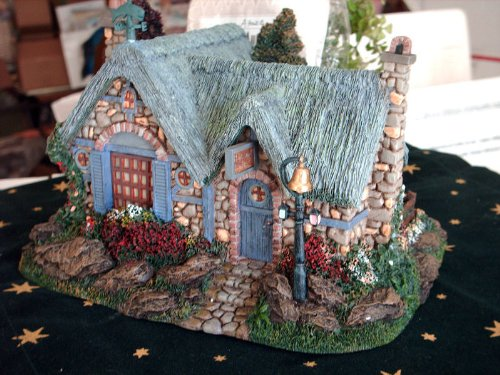 SEASIDE VILLAGE -Christmas Village - Very Collectable RARE