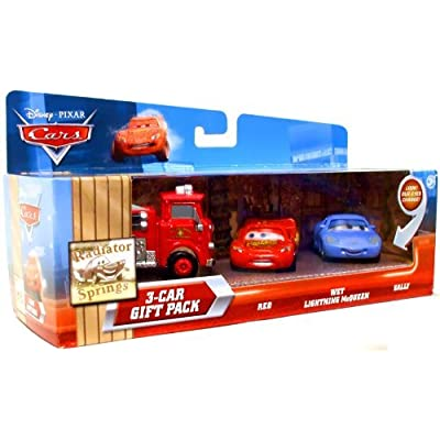 Disney / Pixar CARS Movie 155 Die Cast Car with Lenticular Eyes 3Car Gift Pack Red, Wet Lightning McQueen Sally: Toys & Games
