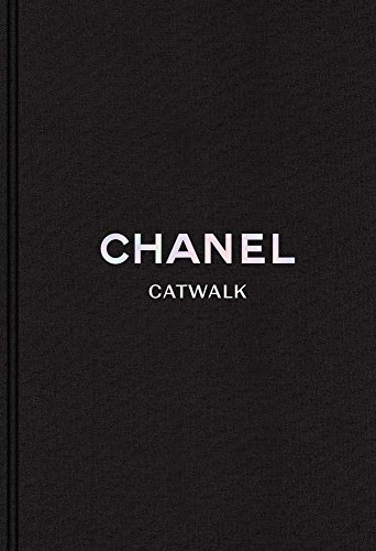 Chanel: The Complete Karl Lagerfeld Collections (Catwalk)]()