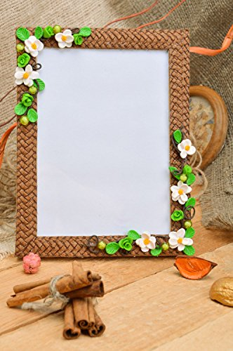 Handmade Brown Designer Photo Frame with Polymer Clay Flowers and Straw ()