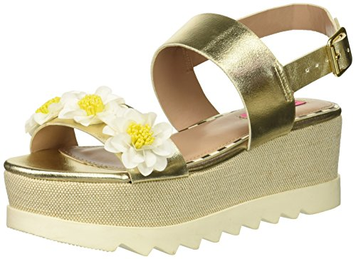 Betsey Johnson Women's PIPPER Wedge Sandal, Gold, 6.5 M US (Wedges Johnson Leather Betsey)