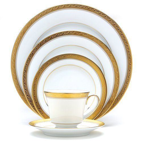 Christmas Tablescape Decor - Noritake gold banded 5-piece Crestwood place setting