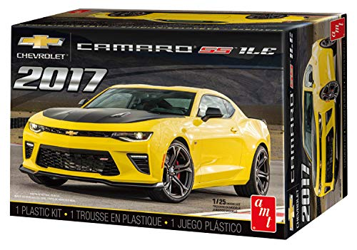 AMT AMT1074 1:25 2017 Chevy Camaro SS 1LE (Model Cars Kits To Build Camaro)
