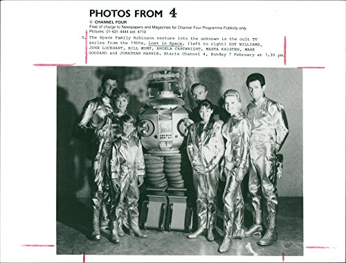 Vintage photo of Cast of the TV series39;LOST IN (Lost Cast Photo)