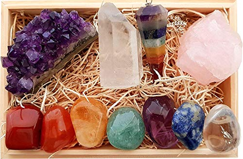 (Arts Of Creation Premium Healing Crystals Gift Kit in Wooden Box - 7 Chakra Set Tumbled Stones, Rose Quartz, Amethyst Cluster, Crystal Points, Chakra Pendulum, Gift Ready Birthday Gift Home)