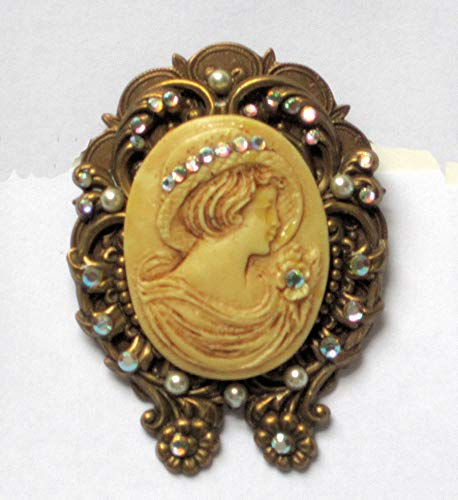 Hidden Heart Reproduction Vintage Look Cameo Pin ()