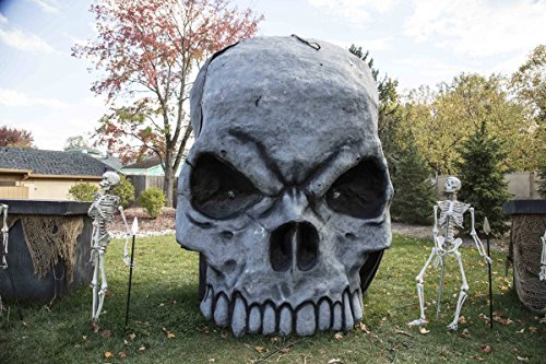 Photo | In keeping with a favorite American autumnal theme, King's Island theme park in Mason, a northeastern suburb of Cincinnati, Ohio, adds spooky Halloween props to its grounds 3 -