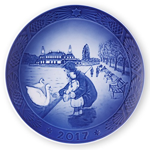 Plate First Christmas (Royal Copenhagen 1021105 Christmas Plate 2017, By the Lake)