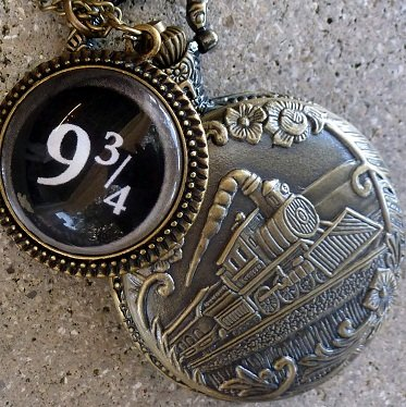 Harry Potter Hogwarts Express Platform 9-3/4 Pocket Watch