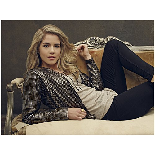 arrow-emily-bett-rickards-laying-back-on-couch-with-legs-up-flirty-8-x-10-photo