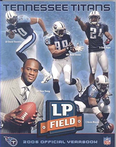 - 2006 Tennessee Titans Official Yearbook (Vince Young on Cover)