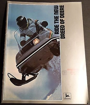 VINTAGE 1979 JOHN DEERE SNOWMOBILE & CLOTHING SALES BROCHURE 28 PAGES (615)