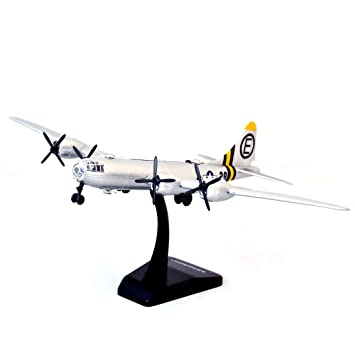 New Ray Classic Plane, B-29 Super Fortress with Plastic Stand, 1/100 Scale (Silver)