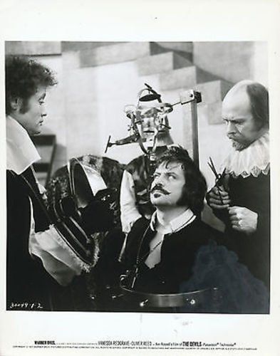 OLIVER REED/THE DEVILS/8X10 ORIGINAL PHOTO AA7065