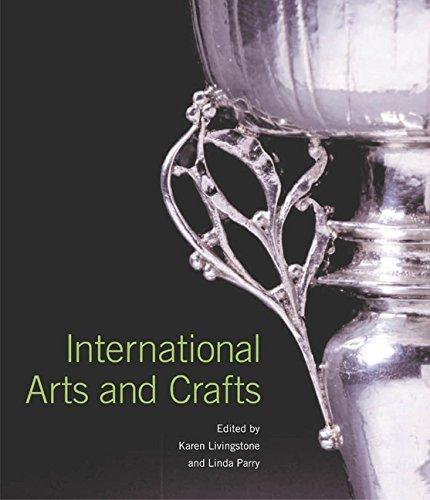 International Arts and Crafts by Karen Livingstone (2005-03-08)