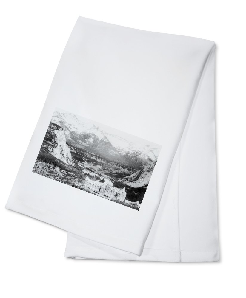 Banff, Alberta, Canada - Bow Valley View of Banff Springs Hotel (100% Cotton Kitchen Towel)