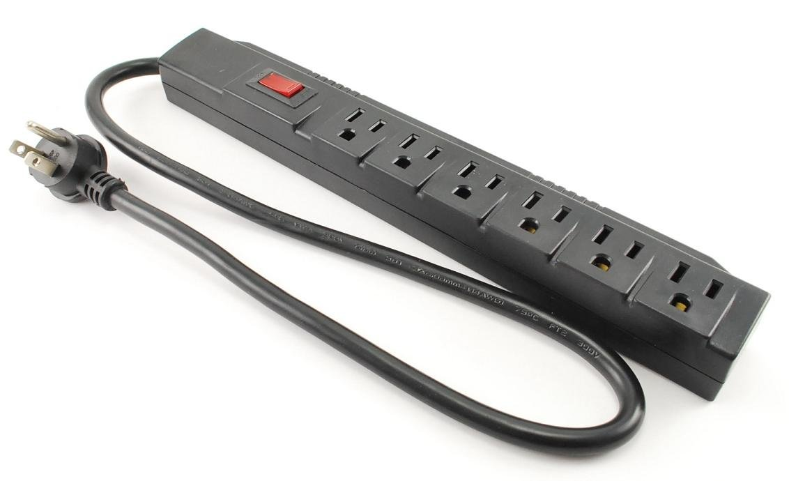 CablesOnline FBA/_SP-002 24in Horizontal 90 Joules Cable, 2 ft. SP-002 6 Outlet Surge Strip