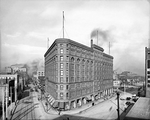 Denver Historic Black & White Photo, The Brown Palace Hotel at Broadway & 17th Streets, c1910, 16x20in ()
